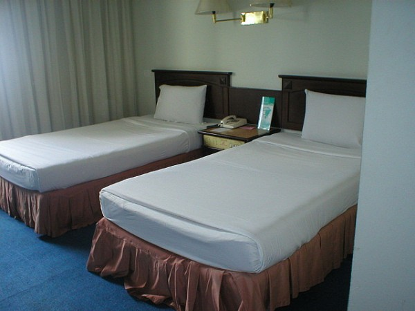 Hotel room in Hat Yai TRAVEL & TOURS links/Flickr