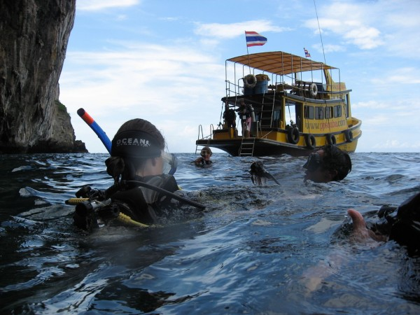 Diving at Koh Phi Phi _e.t/Flickr