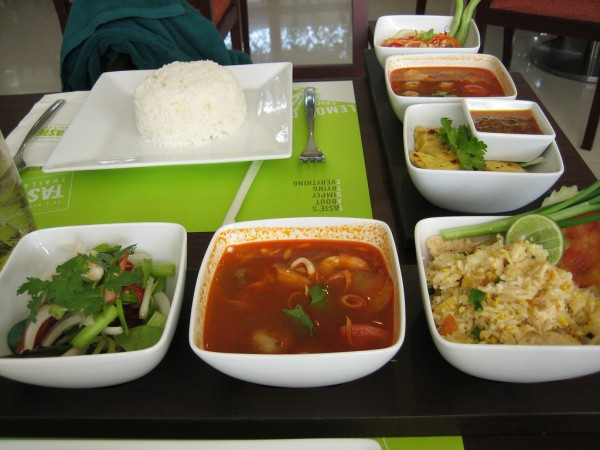 Food served at Patong hotel ChingTeoh/Flickr