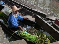 Best floating markets around Bangkok