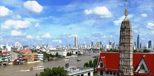 View over Bangkok from Wat Arun macchi/Flickr